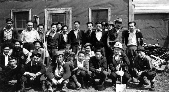 Men at work on the internment camp near Schreiber. Courtesy the Schreiber Public Library.