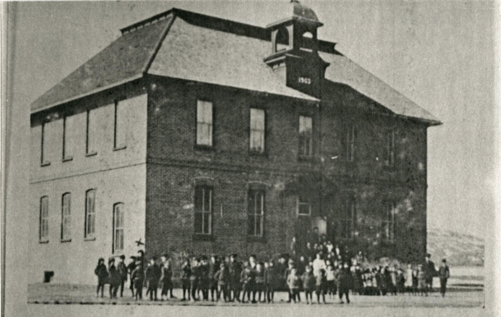 Post card of Schreiber Public School.