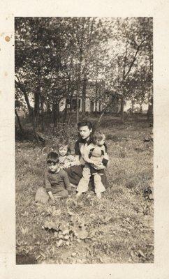 Luella (Anderson) and children, Sidney Jamieson, Shirley, Jamieson and Edith Jamieson