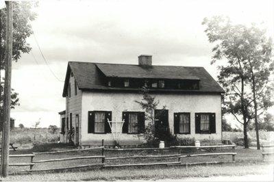 1388 Dundas Street West, 1981, Oakville, Ontario