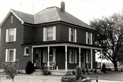 3004 Dundas Street West, 1990s