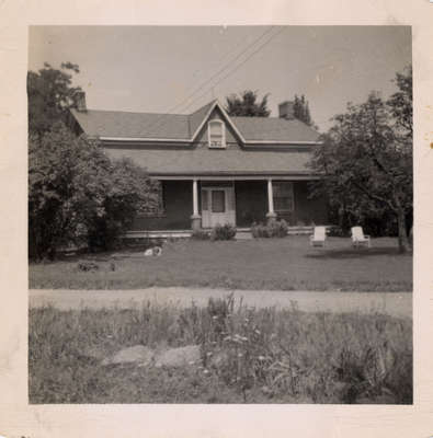 Kingsholm Farm, Kaitting House on Dundas Street West, Trafalgar Township.