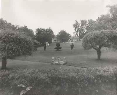 Lawn at Cedar Croft Motorcourt, 1965.