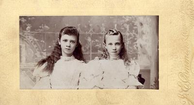 Gertrude & Daisy Hardy