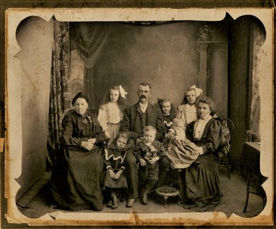 MacKay Family Photograph, circa 1900