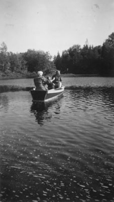 Boating on the lake at McAmmonds, circa 1930