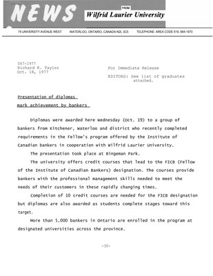 067-1977 : Presentation of diplomas mark achievement by bankers