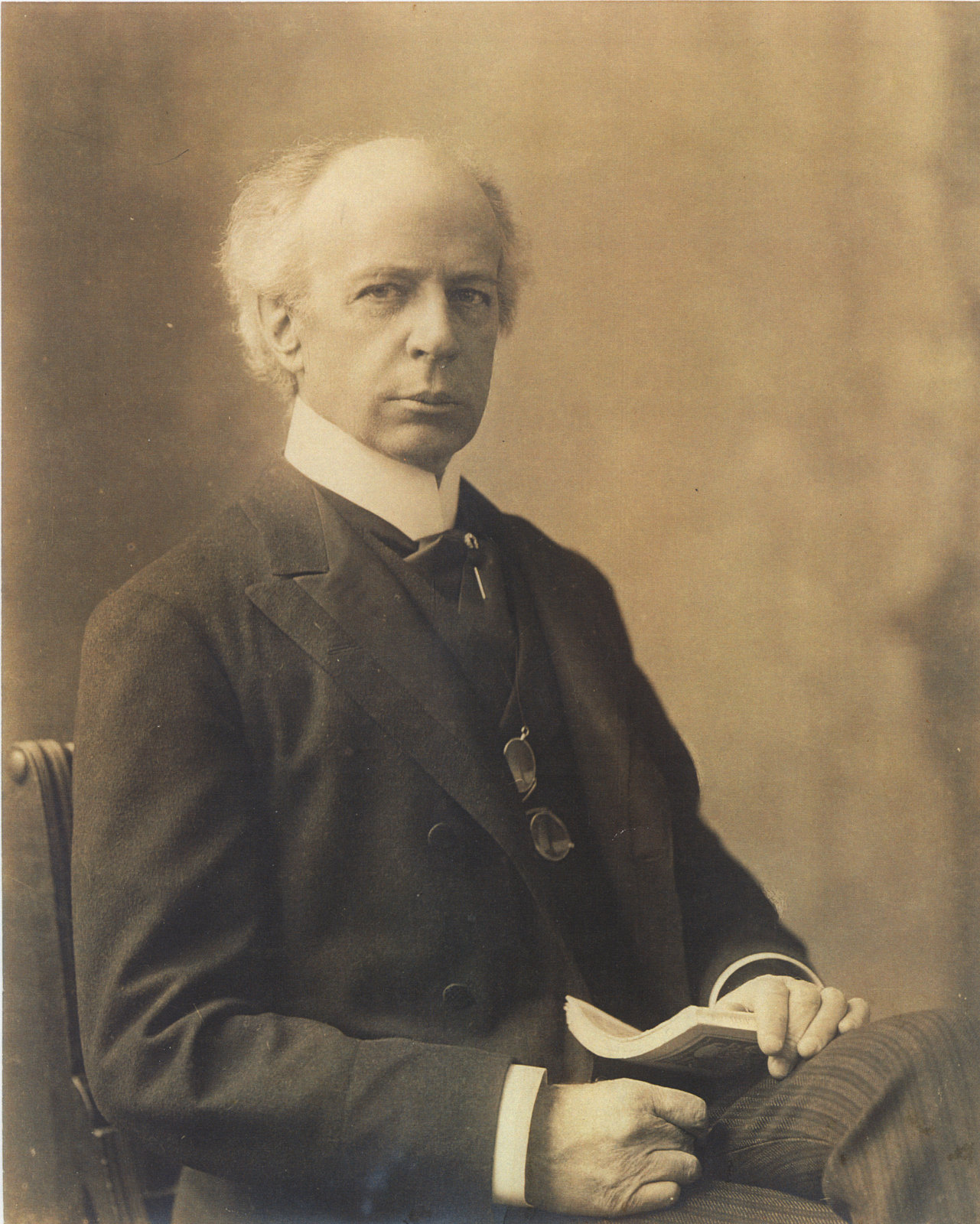 wilfred laurier Sir wilfrid laurier: sir wilfrid laurier, the first french-canadian prime minister of the dominion of canada (1896–1911), noted especially for his attempts to.