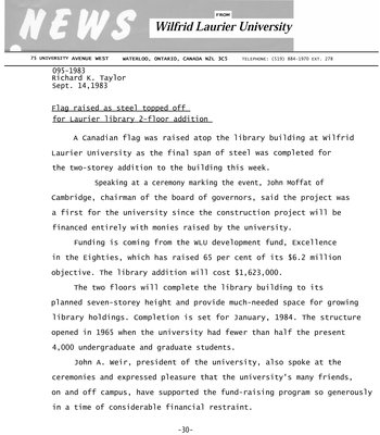 095a-1983 : Flag raised as steel topped off for Laurier library 2-floor addition