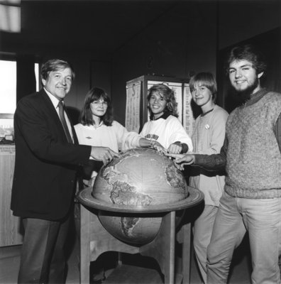 Al Hecht and four students