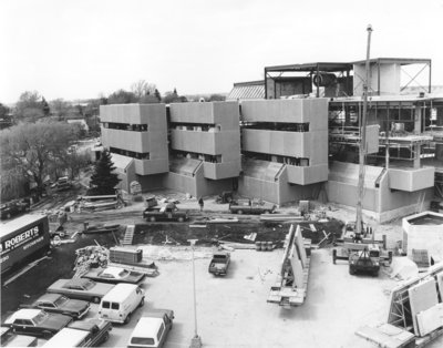 Construction of the Peters Building, Wilfrid Laurier University
