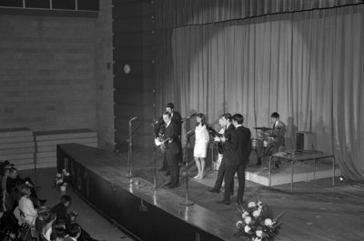 Serendipity Singers performing at Waterloo Lutheran University Winter Carnival, 1967
