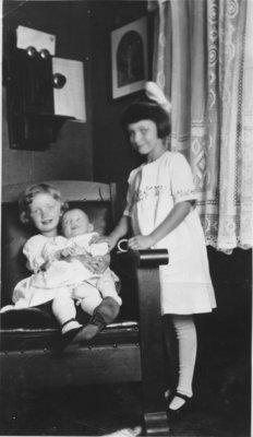 Erika, Hilda and Esther Kupfer