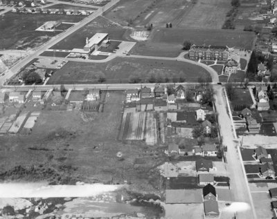 Aerial view of Waterloo College, 1957