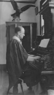Earle Shelley playing the organ