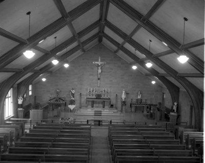 Église Notre-Dame-des-Victoires, Field / Notre-Dame-des-Victoires Church, Field