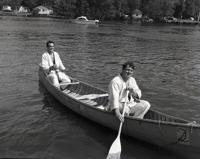 Canoe race down the Sturgeon River