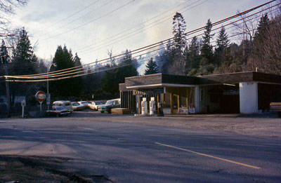 Tiddlycove Gas Station