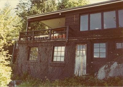 Barge House, Howe Sound Lane