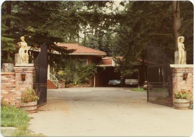 375 Inglewood Avenue