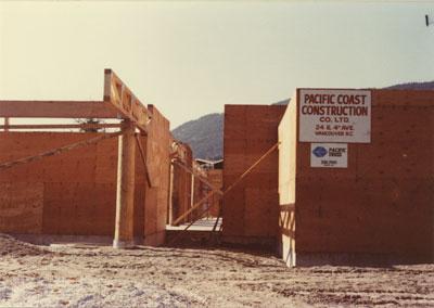 Construction on the Senior Citizens Centre