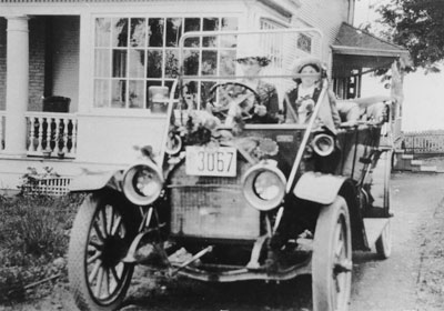 Thompson family in car