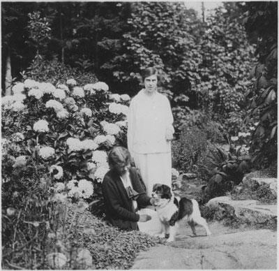 Caulfeild Garden