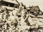 Children at Ambleside Beach