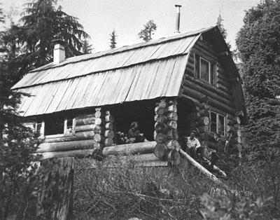"""""""Challenger Inn"""" Ski Cabin"""