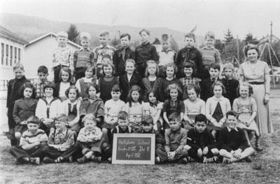 Hollyburn School Grade II & III Class (1952)