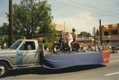 Community Day Parade (Dundarave Towing)