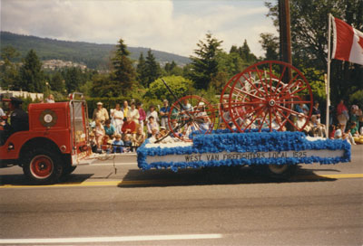 Community Day Parade (West Vancouver Fire Department)