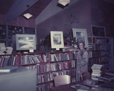 Anna Gunn Displaying Her Paintings