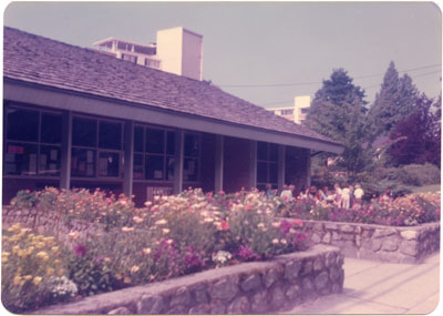 West Vancouver Memorial Library Gardens
