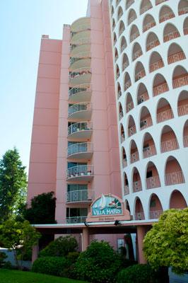 Villa Maris Apartment Building