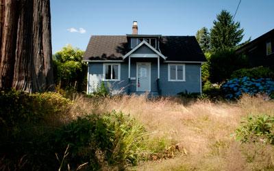 House at 1463 Inglewood Avenue