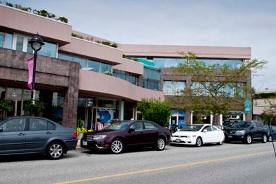 Businesses on Bellevue Avenue