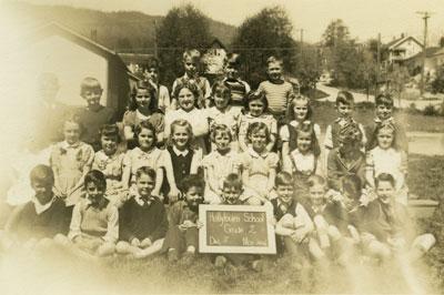 Hollyburn School Grade 2 Class