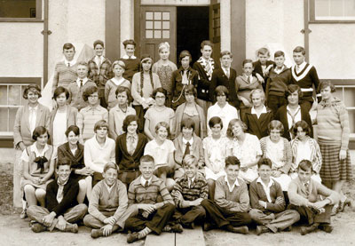 Inglewood Junior High Grade 9 Class Photo (1928/1929)