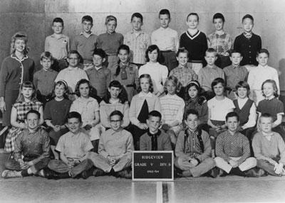 Grade 5 class at Ridgeview Elementary School with teacher Mrs. Donna Fletcher