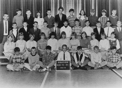 Grade 7 class at Ridgeview Elementary School with teacher Arnie Smith