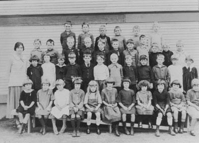 Hollyburn School Class Photo