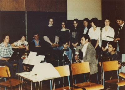 Noel Murphy and the 10 am Mass Folk Choir
