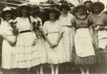 Group Portrait: Bea Yates, Evelyn Johnson, Edith Yates, Gladys Ford, Muriel Johnson & Bill Grout