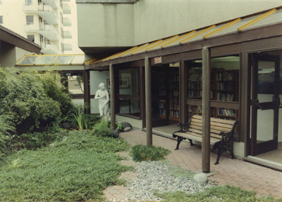 West Vancouver Memorial Library Courtyard
