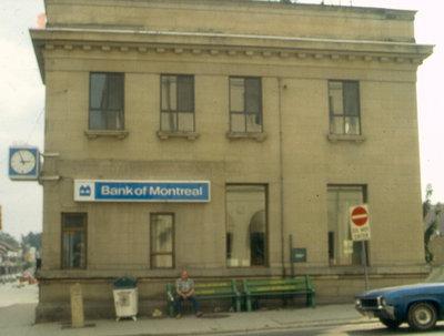 Molson's Bank Building, 4 King Street South, Waterloo, Ontario