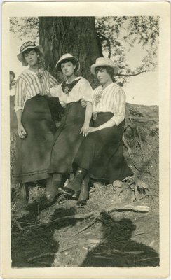 Leona, Eileen and Beatrice Knipfel