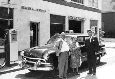 Couple Wins New Car at Deverell Motors, c.1951
