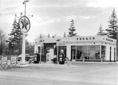414 Brock Street North, c.1960