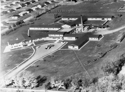 632 Dundas Street West, c. 1957